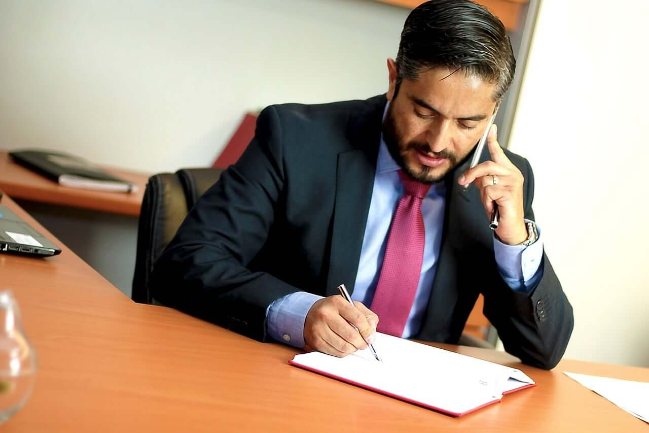 "Photo of עורך דין נתפס בביקורת מס הכנסה על אי רישום הכנסות של 41,500 ש""ח"